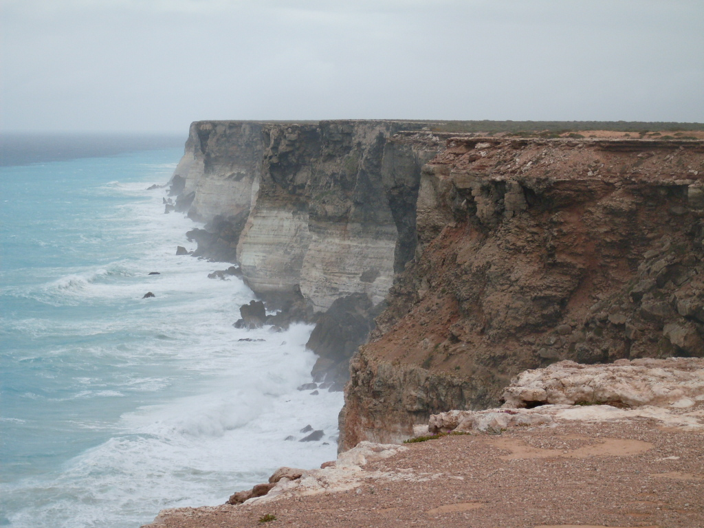 Cliff_overlooking_sea_-_Great_Australian_Bight_Commonwealth_Marine_Reserve